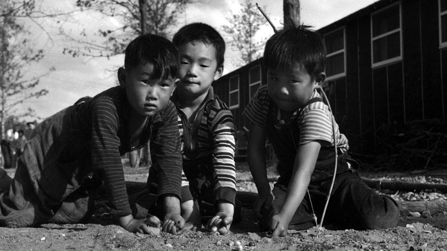children at war War child international is a family of independent humanitarian organisations which work together to help children and young people affected by armed conflict1 in 10.