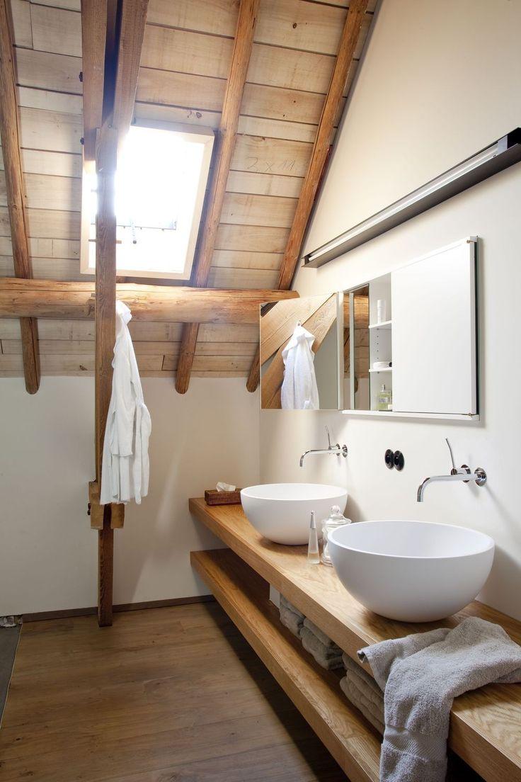Salle De Bain Revetement un revêtement en bois clair idéal pour la salle de bain d