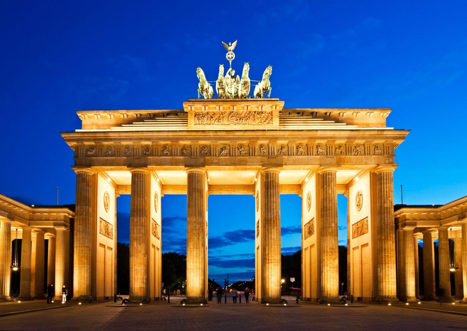 Brandenburg Gate Pictures Location of Brandenburg Gate